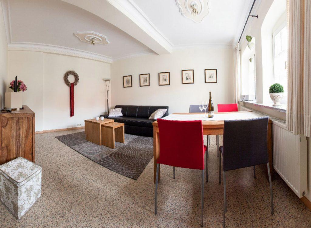 Karlbacher Domizil Großkarlbach Ferienwohnung Mandelpfad Wohnzimmer